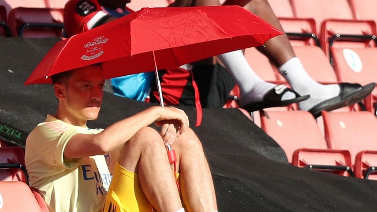 Arsenal'de Mesut Özil şoku! 'Aptalca bir karar'