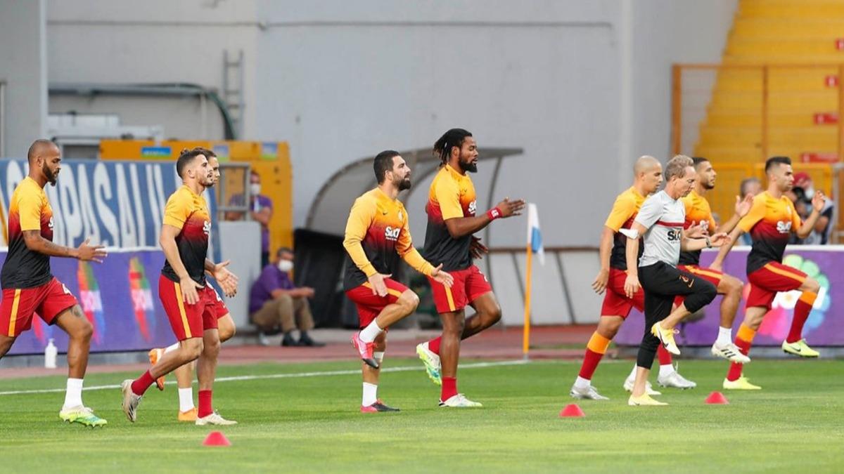 Galatasaray'da iki kadro dışı kararı yolda
