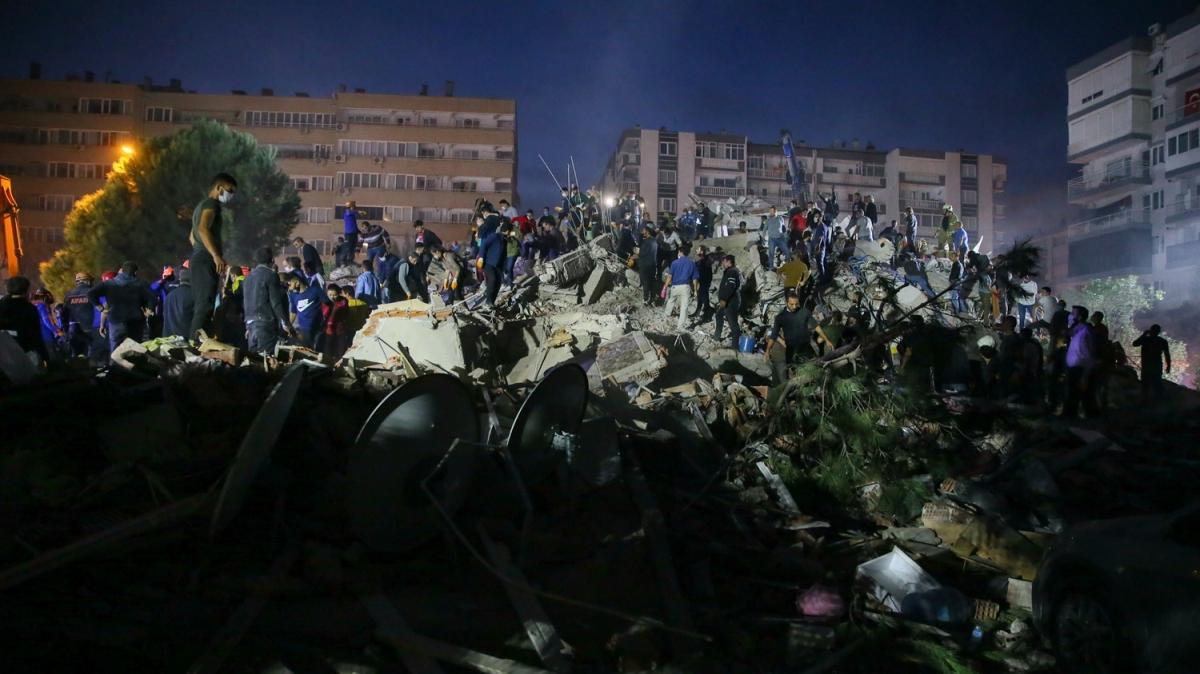 İşte İzmir'de meydana gelen depremden son dakika fotoğrafları!