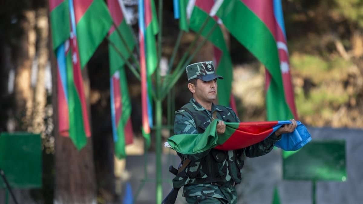 Ermenistan işgalinden kurtarıldı, bayrak göndere çekildi!