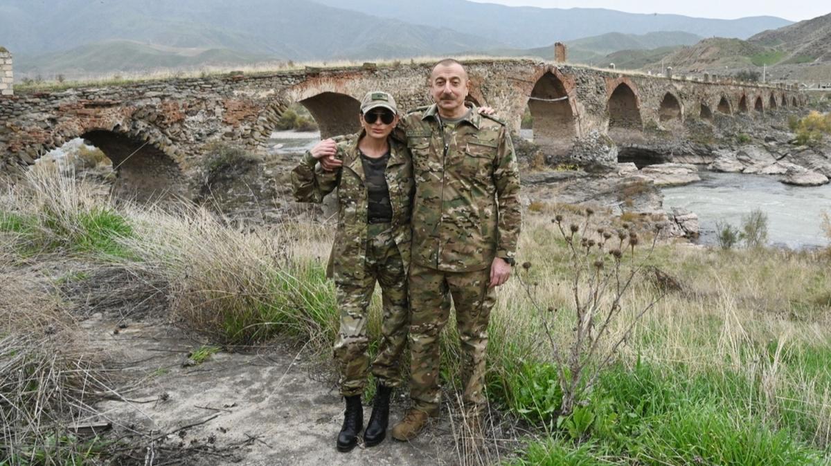 Aliyev 27 yıl sonra ilk kez Fuzuli ve Cebrail'i ziyaret etti
