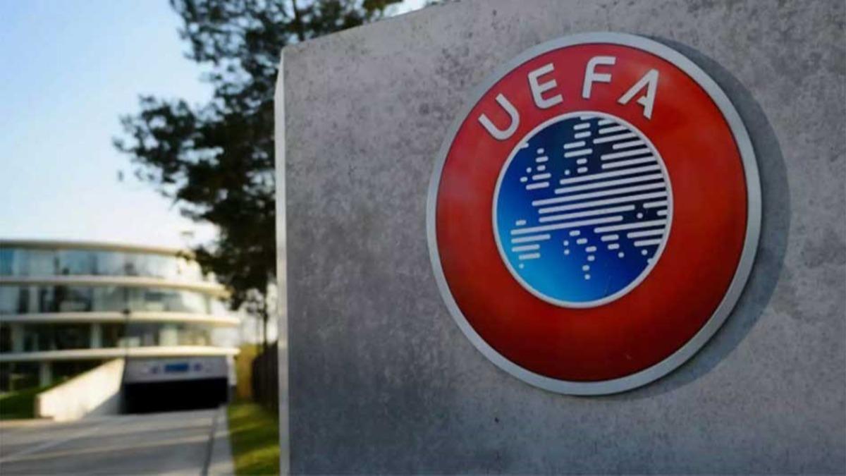 Galatasaray'a bir darbe de UEFA'dan