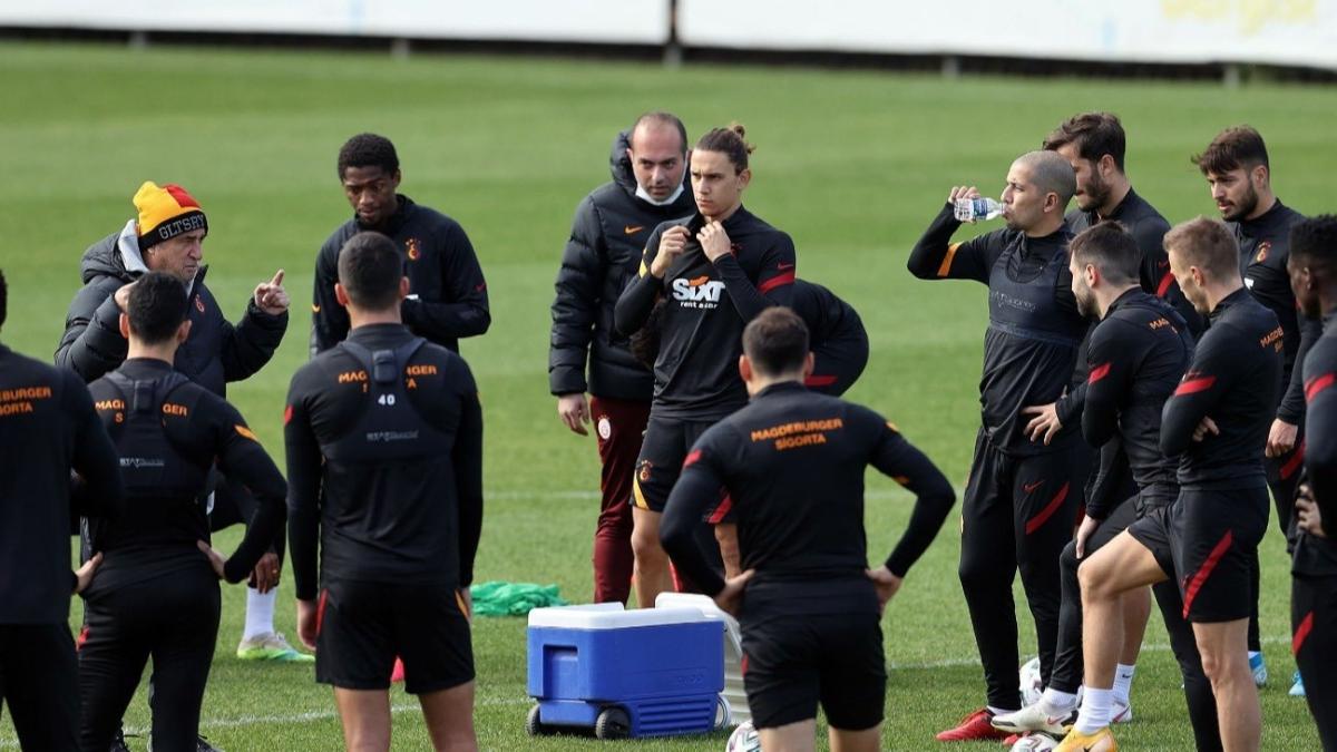 Fatih Terim'in elinde 14 futbolcu kaldı! İşte Galatasaray'ın muhtemel 11'i