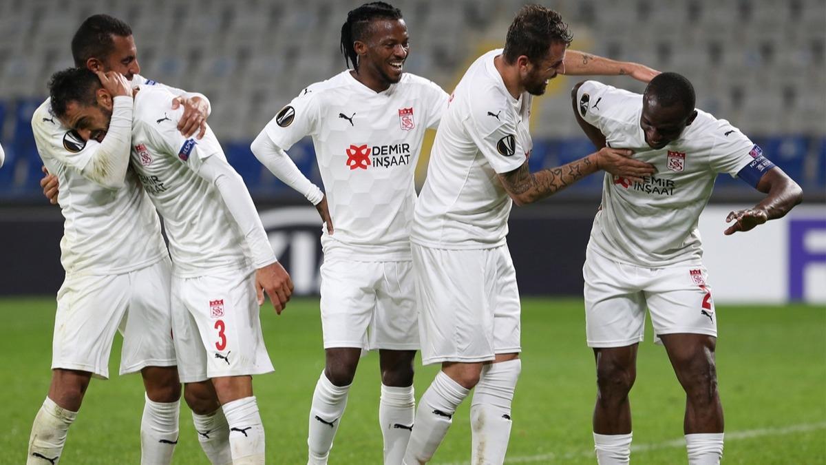 Maç sonu açıkladılar! Sivasspor Karabağ maçında dikkatlerden kaçan detay: İnanın kimseye söyleyemedik