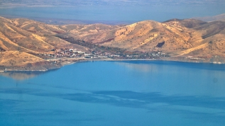 Hazar Gölü'nde sonbahar güzelliği