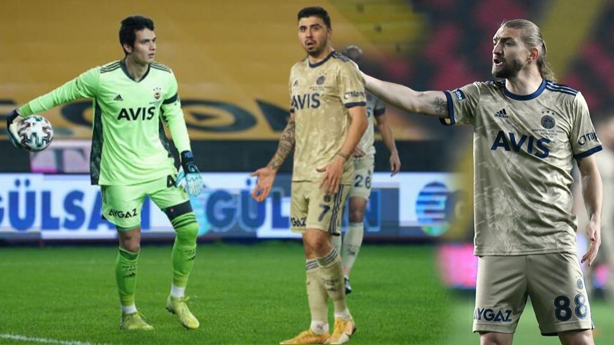 Fenerbahçe maçında yıldız isimler arasında gerginlik! 'Her şeye de bir cevabınız var'