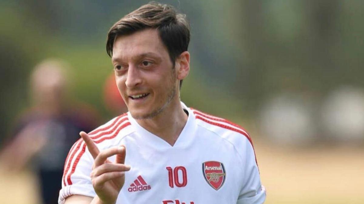 Mesut Özil hangi takımı tuttuğunu açıkladı