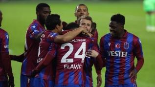 Trabzonspor - Konyaspor maçında duygu dolu anlar! Gözyaşlarını tutamadı