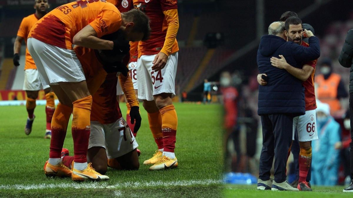 Galatasaray maçında duygusal anlar! Gözyaşlarını tutamadı, Fatih Terim ve Arda Turan...