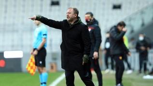 Beşiktaş'ta maç sonu 2 transferi açıkladı! Sergen Yalçın: 3. transferi söyledim...