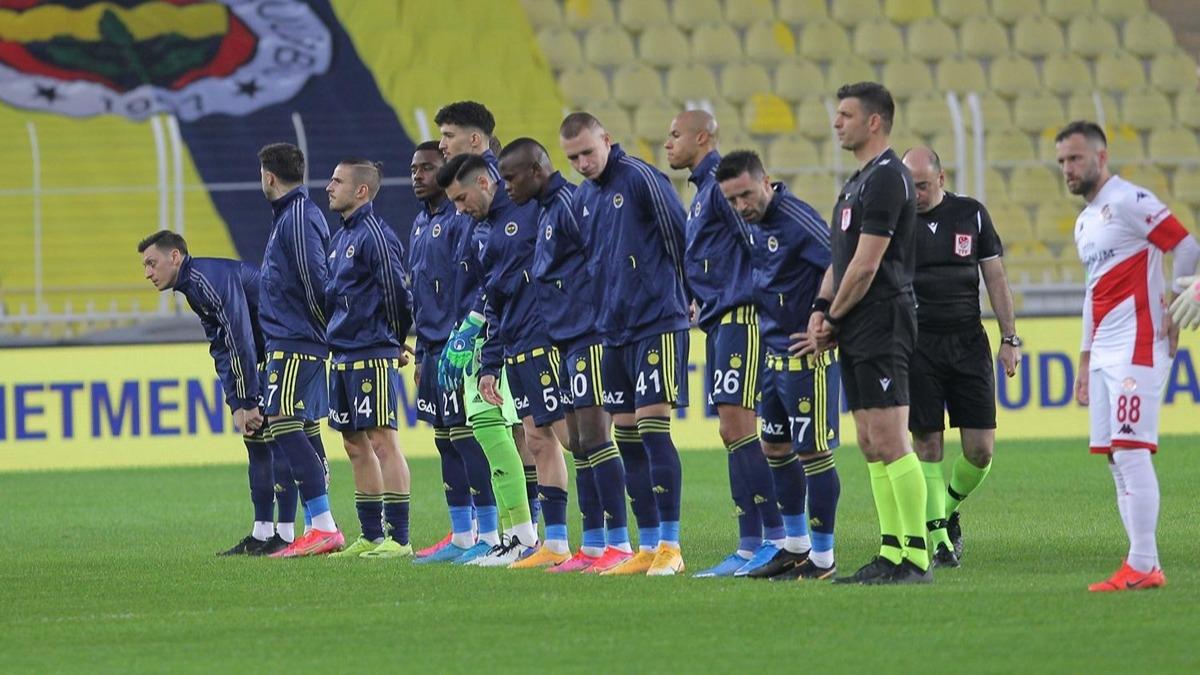 '8 puan kaybettirdi' Fenerbahçe'de o isme eleştiri yağdı! Olay tepki...