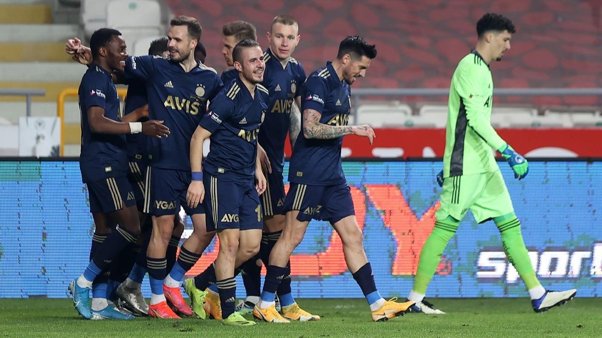 Konyaspor Fenerbahçe maçına damga vurdular! 3 dakikada rekor geldi: Pelkas, Szalai ve Osayi-Samuel...