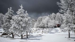Domaniç Dağları'nda kar güzelliği