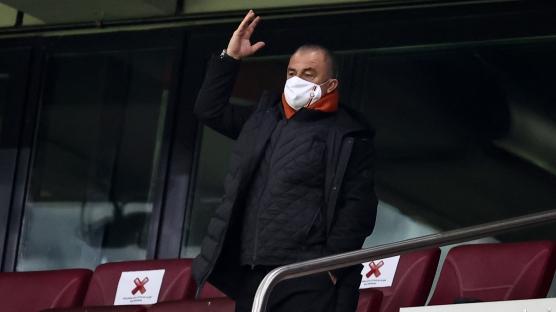 Galatasaray'da Fatih Terim 11 futbolcunun biletini kesti!