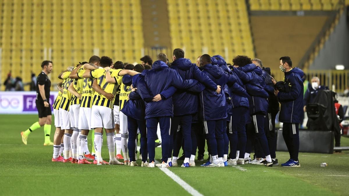 Erman Toroğlu: Fenerbahçe birilerini göndermeli