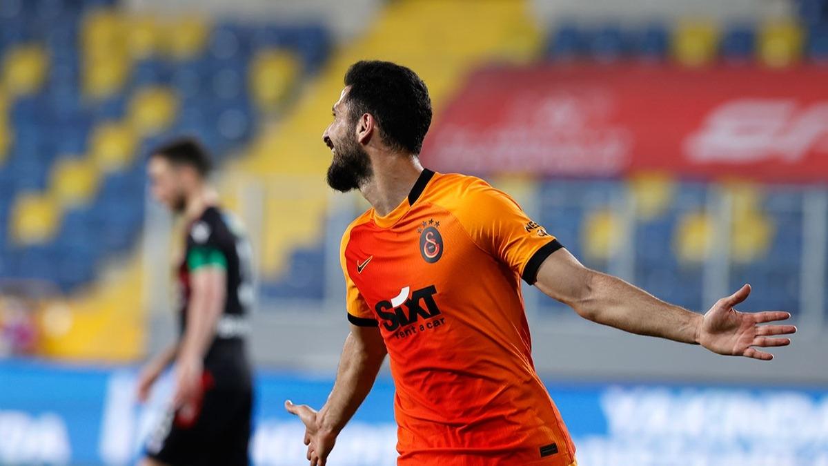 Emre Akbaba'ya yurt dışından teklif! Galatasaray'dan ayrılıyor mu?