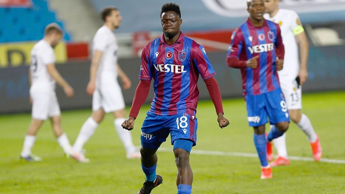 Ekuban Trabzonspor'dan ayrılıyor! Yeni takımı belli oldu