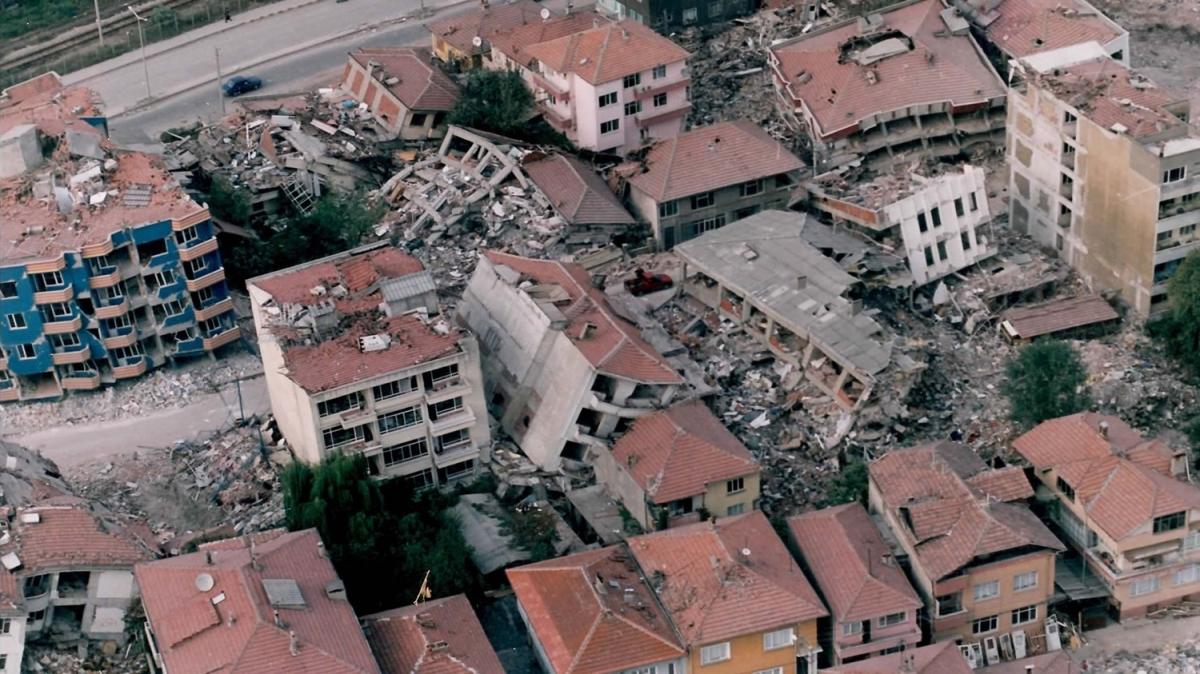 'Asrın felaketi'nin üzerinden 22 yıl geçti
