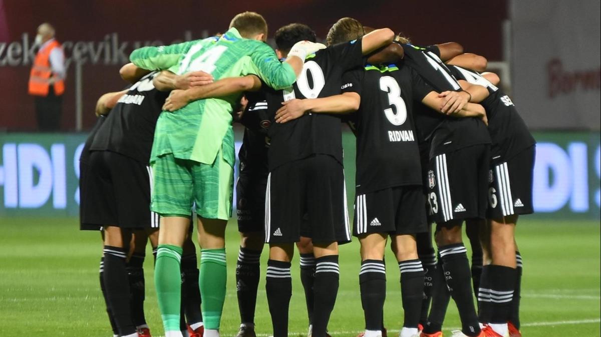Beşiktaş'ta Ajax maçına yetişecek sakat futbolcular belli oldu
