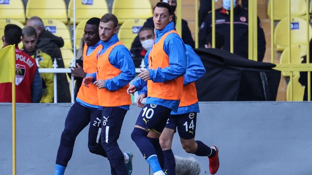 Mesut Özil Fenerbahçe'den kopuyor! Yeni adresi...