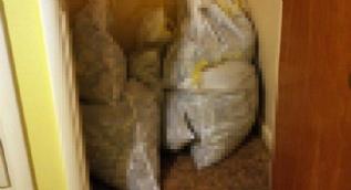 Tadilat sırasında torbalar dolusu...