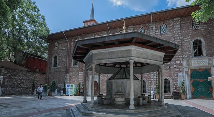 İstanbul'da ilk ezan sesinin duyulduğu cami
