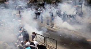 Kudüs'te İsrail polisi Filistinlilere müdahale etti