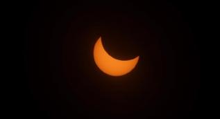 İşte güneş tutulmasından ilk kareler