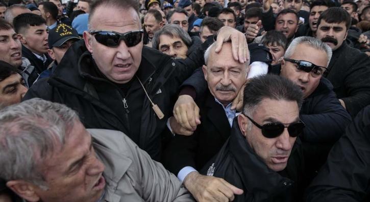 Kılıçdaroğlu'na şehit cenazesinde saldırının görüntüleri...