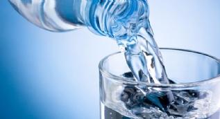 Aç karnına içilen suyun faydası bir bilseniz!