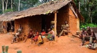 Afrika'nın en kısa insanları Pigmeler