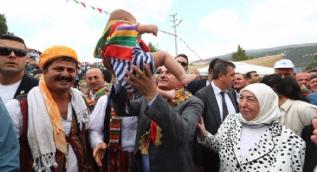 Başbakan Yörüklerle bir araya geldi