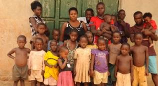 37 yaşında 38 çocuk doğurarak dünya rekoru kırdı
