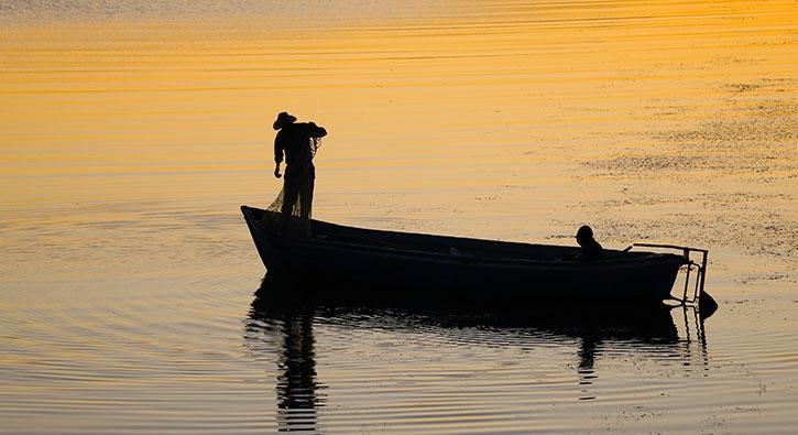 Fotoğraf sanatçıları eşsiz gün batımını fotoğrafladı