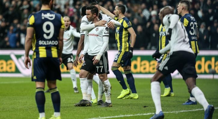 Beşiktaş-Fenerbahçe karşılaşmasından çarpıcı kareler