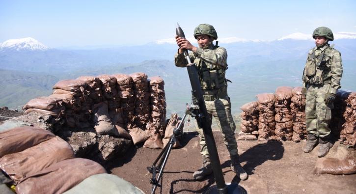 Tepeyi teröristlere teslim etmediler, Üs Komutanı saldırı anını anlattı