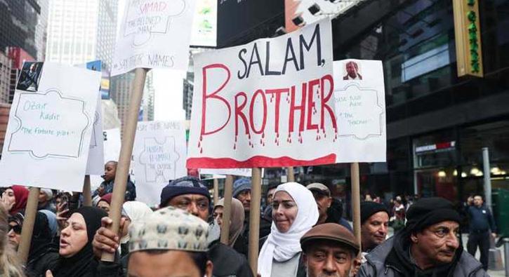 İslamofobi'ye karşı 'birlik' protestosu