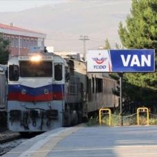 İlk yolcular Van'a ulaştı