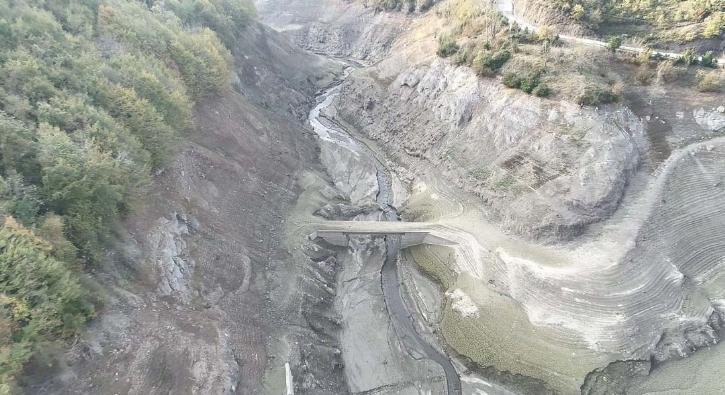 Barajın suyu çekildi, 20 yıl sonra gün yüzüne çıktı