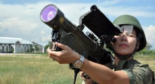 Kadın komutanlar sınırda kuş uçurtmuyor