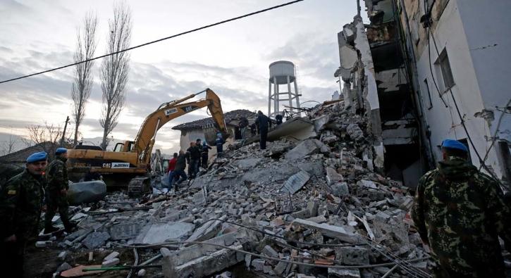 Arnavutluk'ta şiddetli deprem: Bir kişi hayatını kaybetti