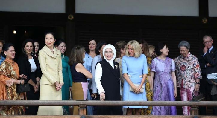 Japonya'da First Lady'ler buluşması