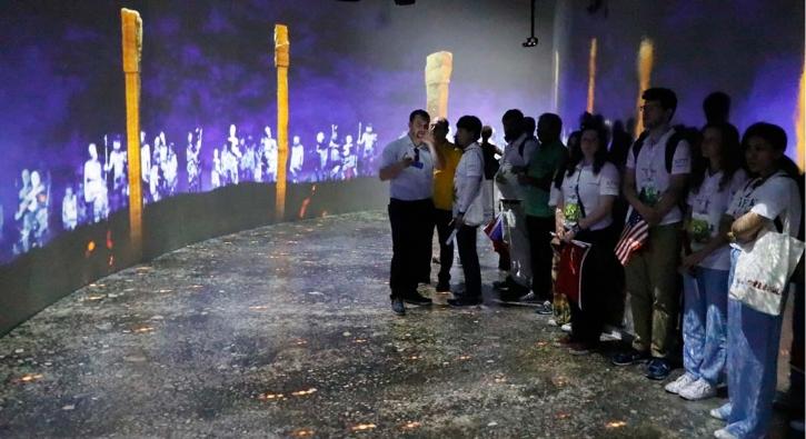 Yabancı öğrenciler Göbeklitepe'yi gezdi