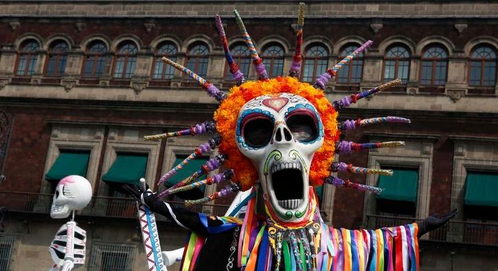 Bu festival bildiğiniz gibi değil! Ölüler Günü...