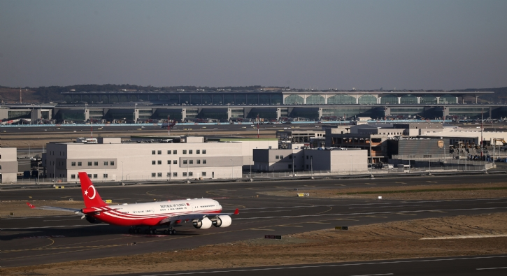 Cumhurbaşkanı Recep Tayyip Erdoğan yeni havalimanında