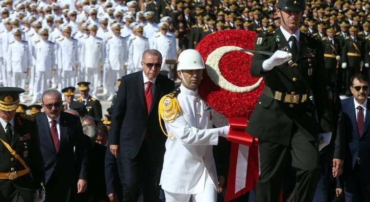 Başkan Erdoğan Anıtkabir'de...