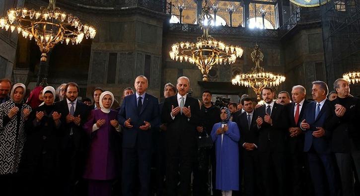 Cumhurbaşkanı Erdoğan Yeditepe Bienali açılışına katıldı