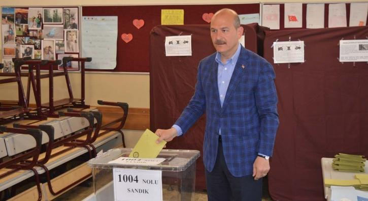 İçişleri Bakanı Süleyman Soylu, oyunu Gaziosmanpaşa'da kullandı